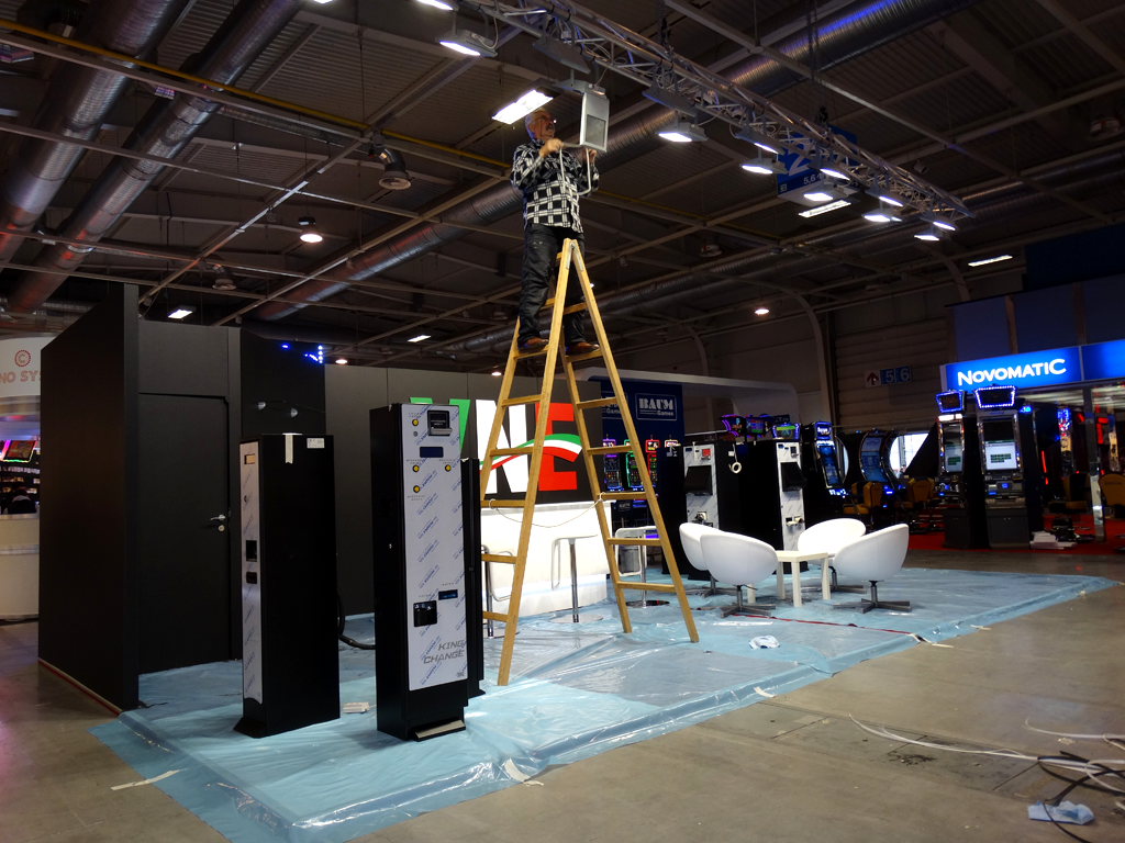 Exhibition Stand Installation : Bege expo exhibition stands prefixbg